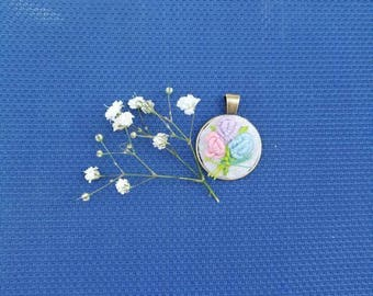 Embroidery pendant ,necklaces, handmade jewelry,1 inch,round pendant,pink,purple, blue flowers