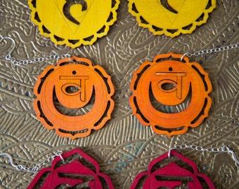 Boucles d'oreilles de Chakra sacrées - 2e - Svadhishthana - Orange Chakra Yoga boucles d'oreilles - Boucles d'oreilles arc en ciel New Age Chakra boucles d'oreilles en Yoga