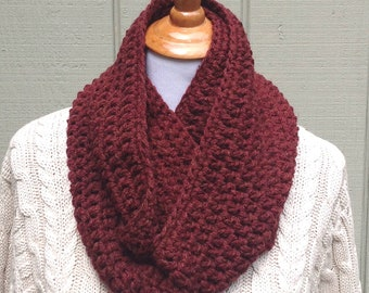Chunky crochet scarf - Crocheted infinity scarf - Brown circle scarf - Womens chunky cowl - Gift for women