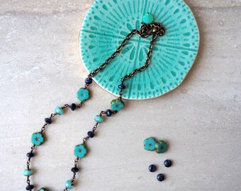 Turquoise and Blue Beaded Necklace with Flower Beads / Czech Glass Beads / Boho Chic Necklace / Weekend Wear / Casual Necklace / Brass Chain