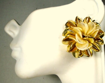 Gold Shiny Cluster Earrings, Fab  Flower Clip  Earrings, with Beige, Unusual Color Combo, 1960s,  Hollywood Pool Party