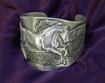 Horse bracelet, Friesian Horse cuff bracelet in silver-pewter handmade by the artist USA