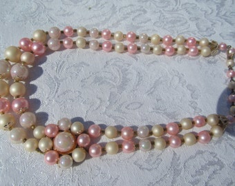Vintage  2 row  beads /  faux  pearls  pink  and white  /  hoker  from the  60's  /  70's   made  in  Japan