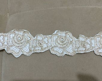 Embroidered lace applique on the imitation leather 5 cm