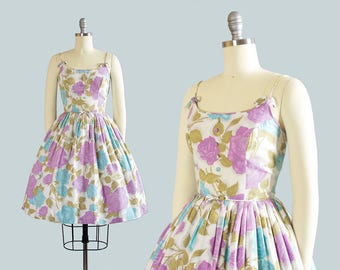 Vintage 1950s Dress | 50s Rose Floral Print Cotton Sundress Purple Blue Printed Full Skirt Day Dress (xs)