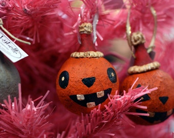 Bucktoothed Folk Art Pumpkin Ornament