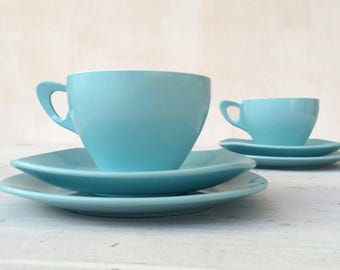 Picnic time! Iconic 1950s blue melaware style tea trio: cup, saucer and side plate for one. American Mawston brand.