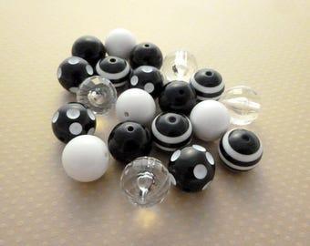 Assorted black/white ASSORT5 - 20mm acrylic beads