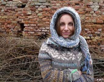 Handmade natural wool hooded scarf / scarf with a hood
