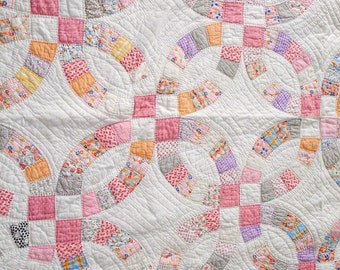 Antique Quilt, Vintage Pink Double Wedding Ring Quilt, 87x70 Antique Quilt, 1930s Handstiched Quilt, Lots of Feed Sack Materials, Pink