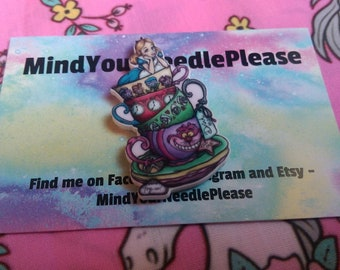 Alice in Wonderland Needle Minder