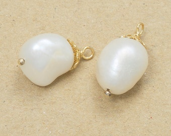 Fresh-Water Pearl Pendant, Jewelry Craft Supplies, Pearl Items, Polished Gold Plated over Brass - 2 Pieces-[NGP0009]-FRESHWATERPEARL/PG