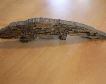 Wooden puzzle: Alligator