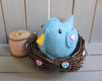 Felt Bird in a Nest / Handmade Gifts / Mothers day / Easter Gifts /