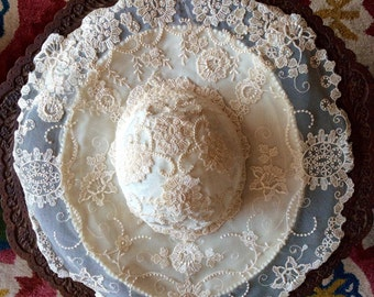 Stunning Vintage Lace Wedding Hat