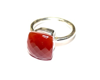 Red Chalcedony Ring in .925 Sterling Silver