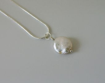 Freshwater pearl and sterling silver pendant necklace
