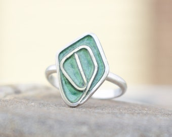 Small Emerald Green Enamel & Sterling Silver Ring