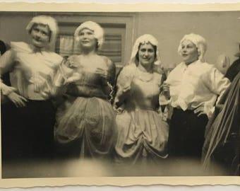 "Vintage Photo ""The Blurry Actresses"" Snapshot Antique Black & White Photograph Paper Found Ephemera Vernacular Interior Design Mood - 100"