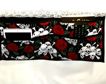 Bedside organizer, skulls and roses themed