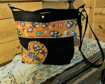 Friends Crossover Bag