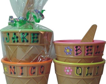"""Personalized Ice Cream Dish / Personalized Party Favor / Kid's Personalized Ice Cream Cup with Spoon / 4"""" wide x 2.5"""" tall / Ice Cream Dish"""