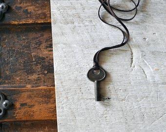 Vintage Key Necklace - Mens Skeleton Key Necklace - Leather Key Necklace - Rustic Key - Steampunk - Key To My Heart Necklace