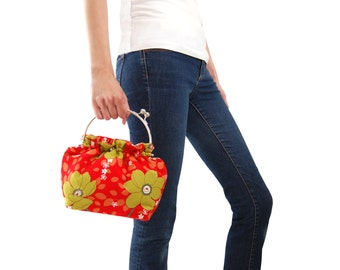Red floral clutch, Clutch purse with handle, Red everyday bag, Fabric clutch, Casual bag, Red floral purse, Small red handbag, Red purse