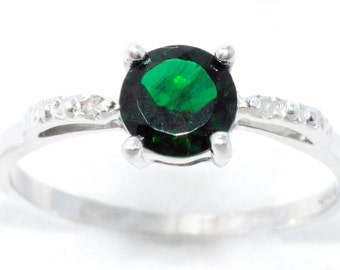 Elizabeth Jewelry 1 Ct Emerald Heart Ring .925 Sterling Silver Rhodium Finish leNceHf