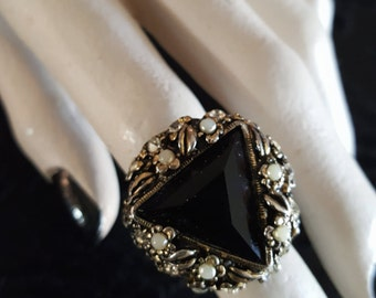 Vintage Black Triangle Ring