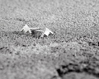 Arrow Head Stud Earrings, Arrow Earrings,Geometric Earrings,Silver Earrings,Urban Chic,trendy Earrings,stack earrings,silver jewelry,silver