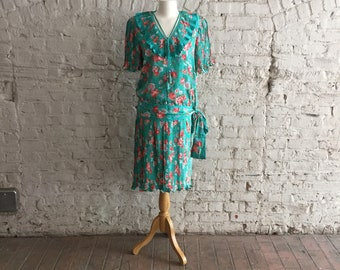 Diane Freis Original 1980s floral print georgette ruffled pleated top and skirt outfit
