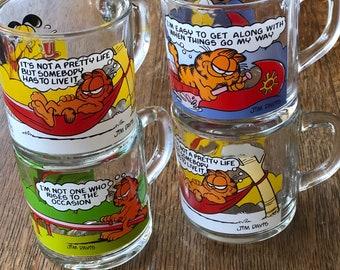 Set of 4 Classic Garfield and Odie Glass Mugs 1978 McDonald's Commemorative Coffee Mugs Garfield Mugs Vintage