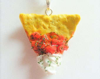 Food Jewelry Tortilla chip and Salsa Necklace, Tortilla chip Pendant, Tortilla Chip Necklace, Miniature Food Jewelry, Mexican Food Jewelry