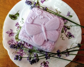 Butterfly Lavender Goats Milk Soap in Organza bag. 3 oz. Guest Soap. Lavender Essential Oil. Creamy goats milk. Gifts, favors. Guests