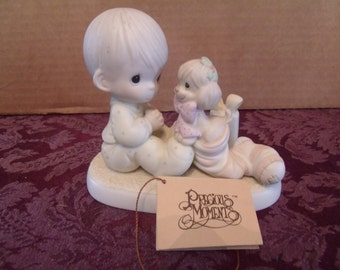 """Precious Moments Figurine, """"The greatest gift is a Friend""""  from 1987, (#8/1)"""