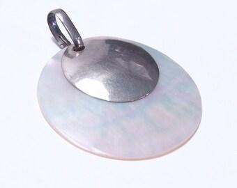 Silver pendant pearl stone
