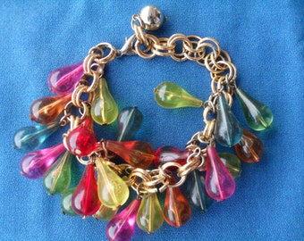 Vintage Rain Drops Bangle Bracelet made of Multi Colored Plastic Teardrops 1950s 1960s