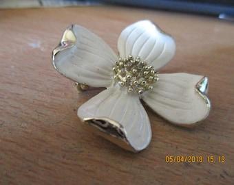 "vintage Gerrys floral white enamel  brooch goldtone 1.75""across in good condition"