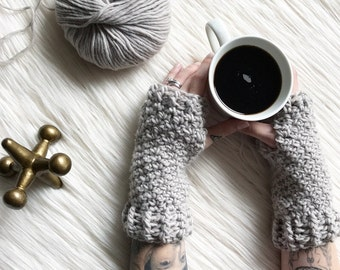 Penelope Gloves // Crochet Pattern // Easy // Fingerless Gloves // Hand Warmers