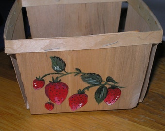 Vintage Split Wood Berry Box from Maine, Hand Painted with Strawberries Strawberry