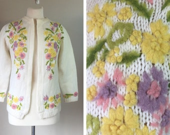 Vintage Knitted 60's floral cardigan sweater