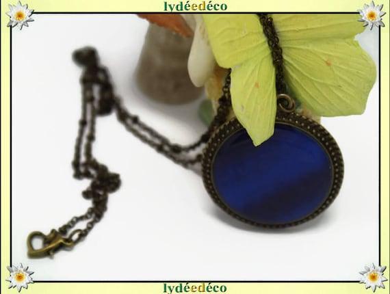 Necklace, retro vintage resin and brass medallion blue gradient dark Ultramarine 32mm heart clasp ball chain