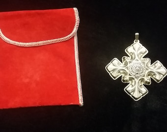 Reed and Barton STERLING silver Christmas Cross circa 1976  ornament