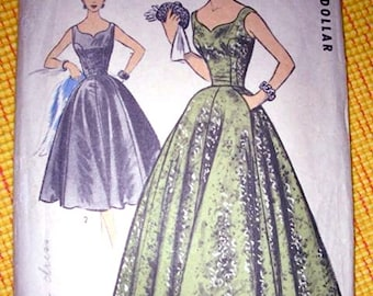 Sybil Connolly Vintage Advance Import Pattern 121 GLAMOROUS Evening Dress In Two Lengths - FACTORY FOLDED -  Bust 36
