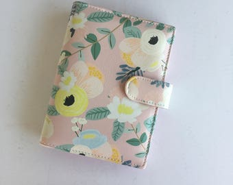Pink Floral Personal Size Planner from @scooterbugcorner *NO COUPONS ALLOWED*