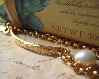 Gold Bar Bracelet, 14k Gold Fill, Natural Pearl, Pattern Bar, Genuine Pearl, Rolo Chain, candies64