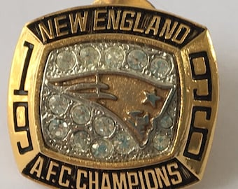 20% off Vintage 1996 New England Patriots Championship Ring Lapel Pin