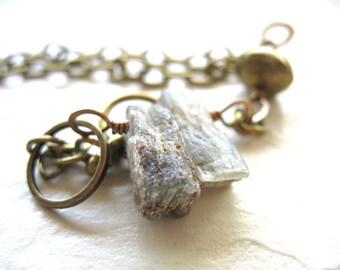 Cyanite, Bracelet cyanite verte, Kryptonite cyanite frange Pierre Bracelet, Bracelet en pierre à la main, Bracelet vert