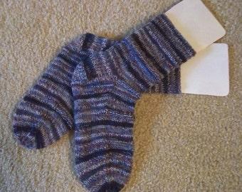 Socks - Handknitted Socks for Women or Men, Girls or Boys - Selfstriping Colors - Size Small 4-5 Men / 5.5-6.5 Women US